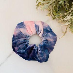 Accessories - New velvet tie dye Scrunchie